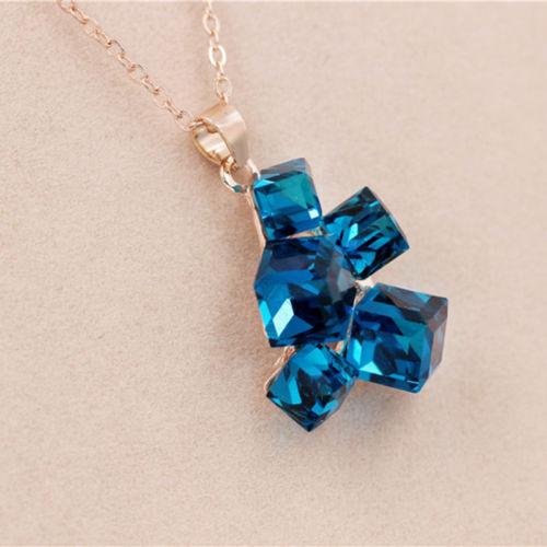 N6 Geometric Sparkly Crystal Cube Pendant Necklace in Two Colour Choices