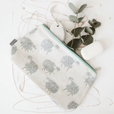 Stil Haven baa baa sheep farm print wash bag
