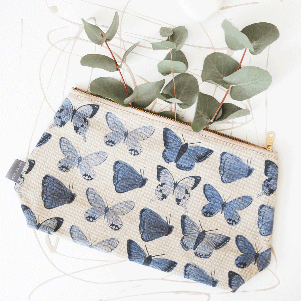 Stil Haven blue butterfly large wash bag