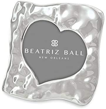 Beatriz Ball Curved Heart Picture Frame