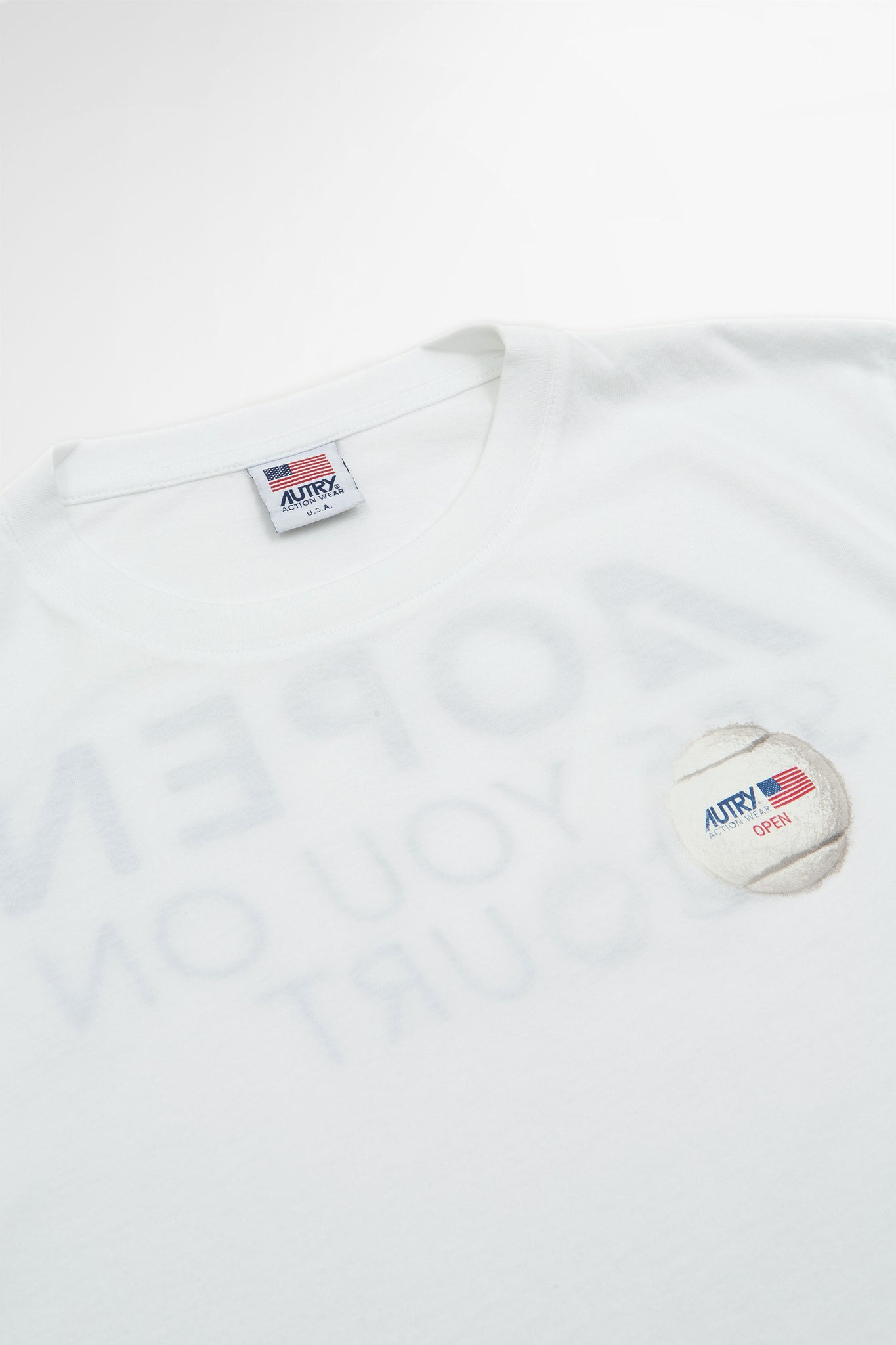 T-shirt ball white