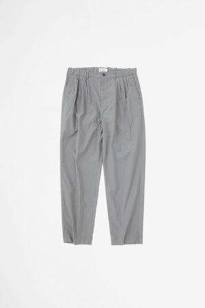 4 Tuck slim tapered pants blue grey