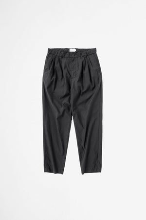 4 Tuck slim tapered pants ink black