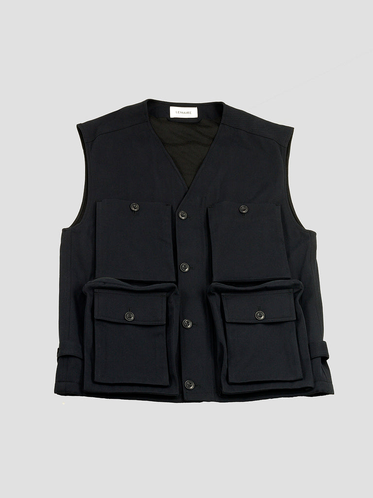 Reporter vest in black by Lemaire