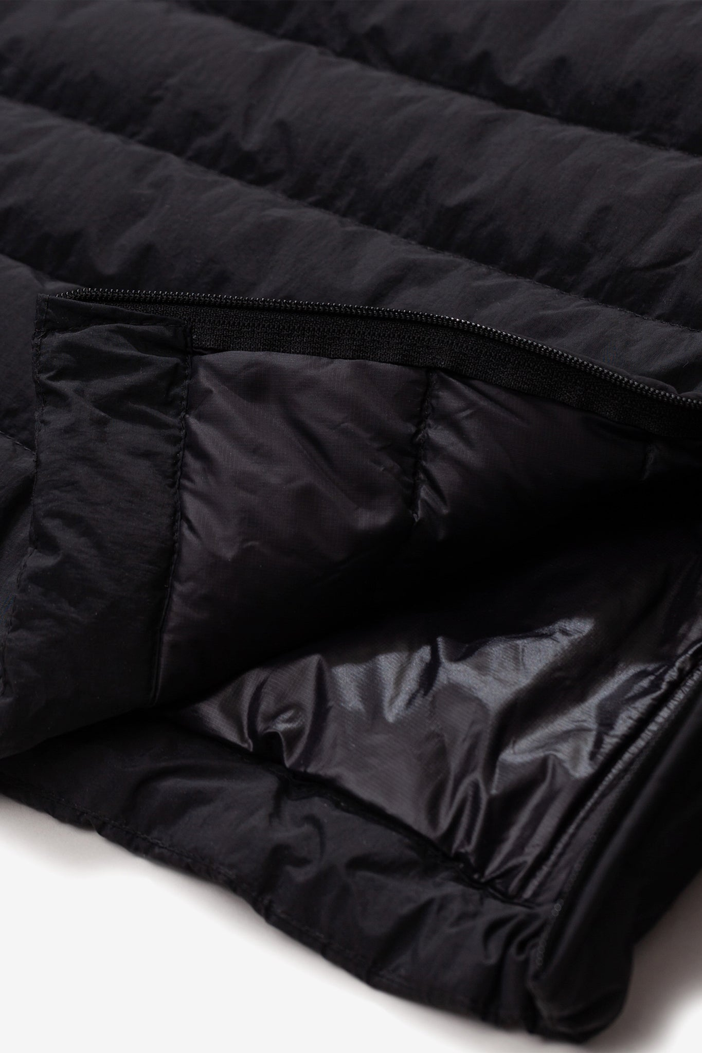 Abisko light down jacket black