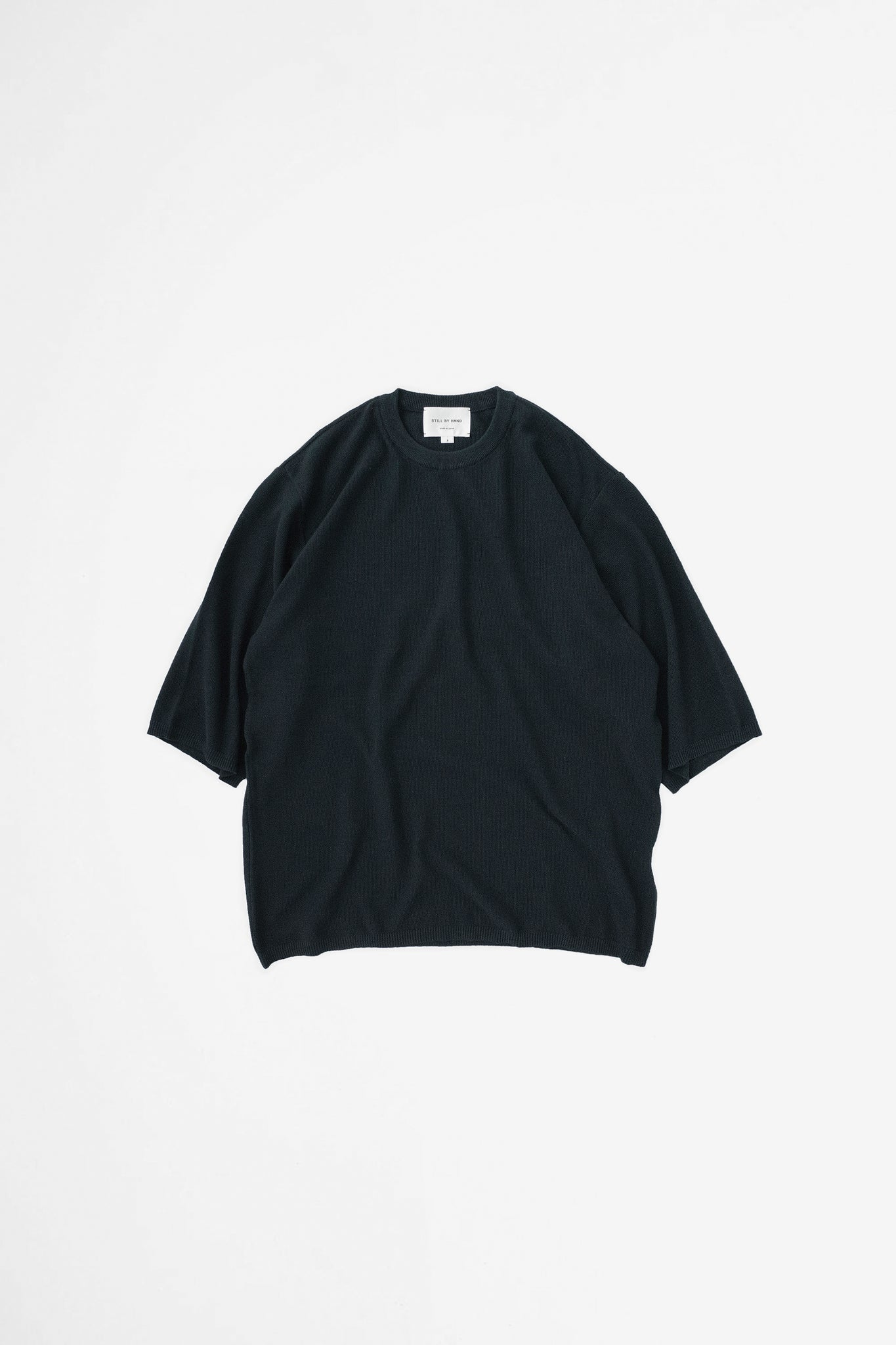 Half sleeve knit t-shirt black