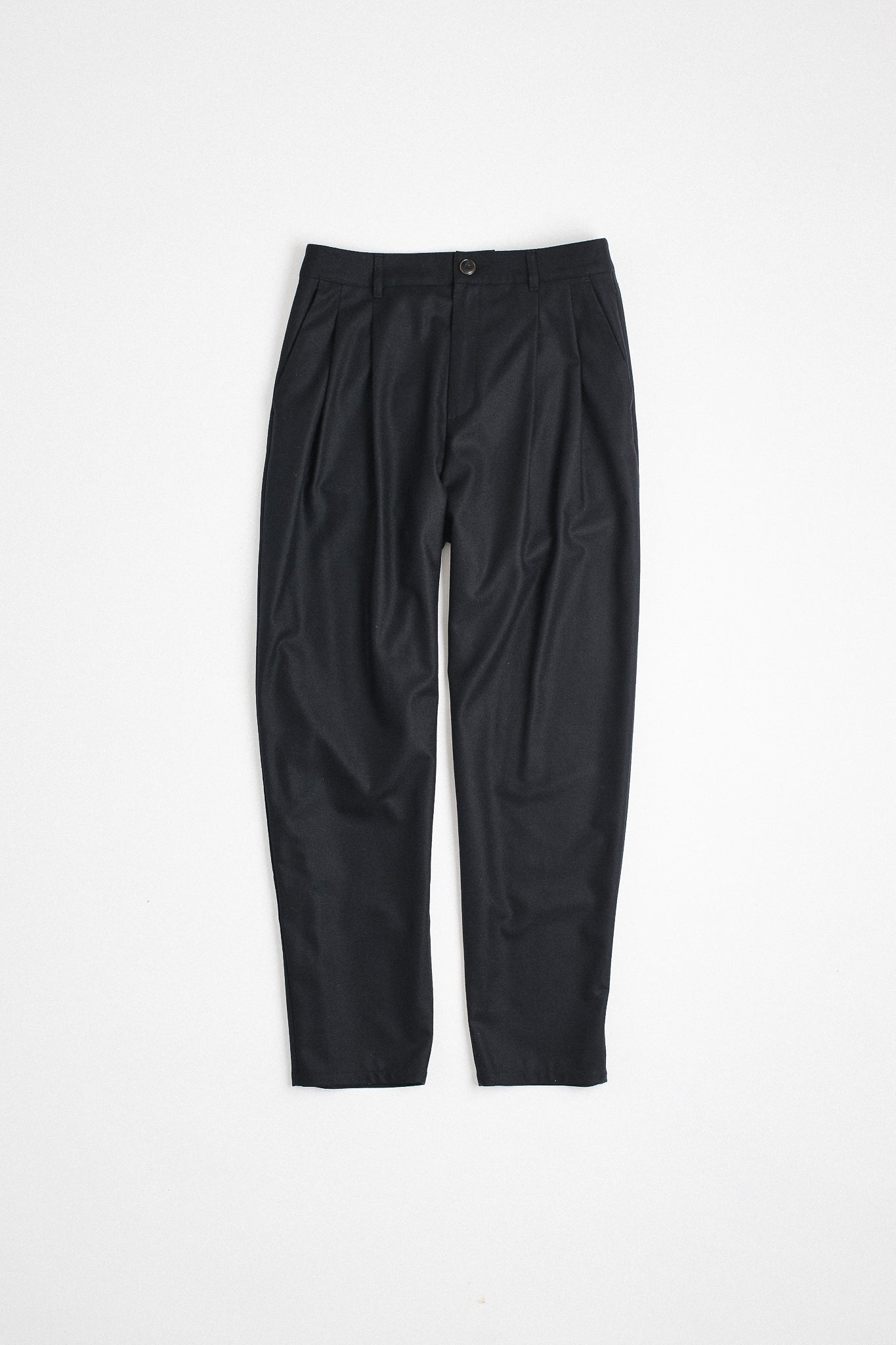 Pleated wide trousers black flannel