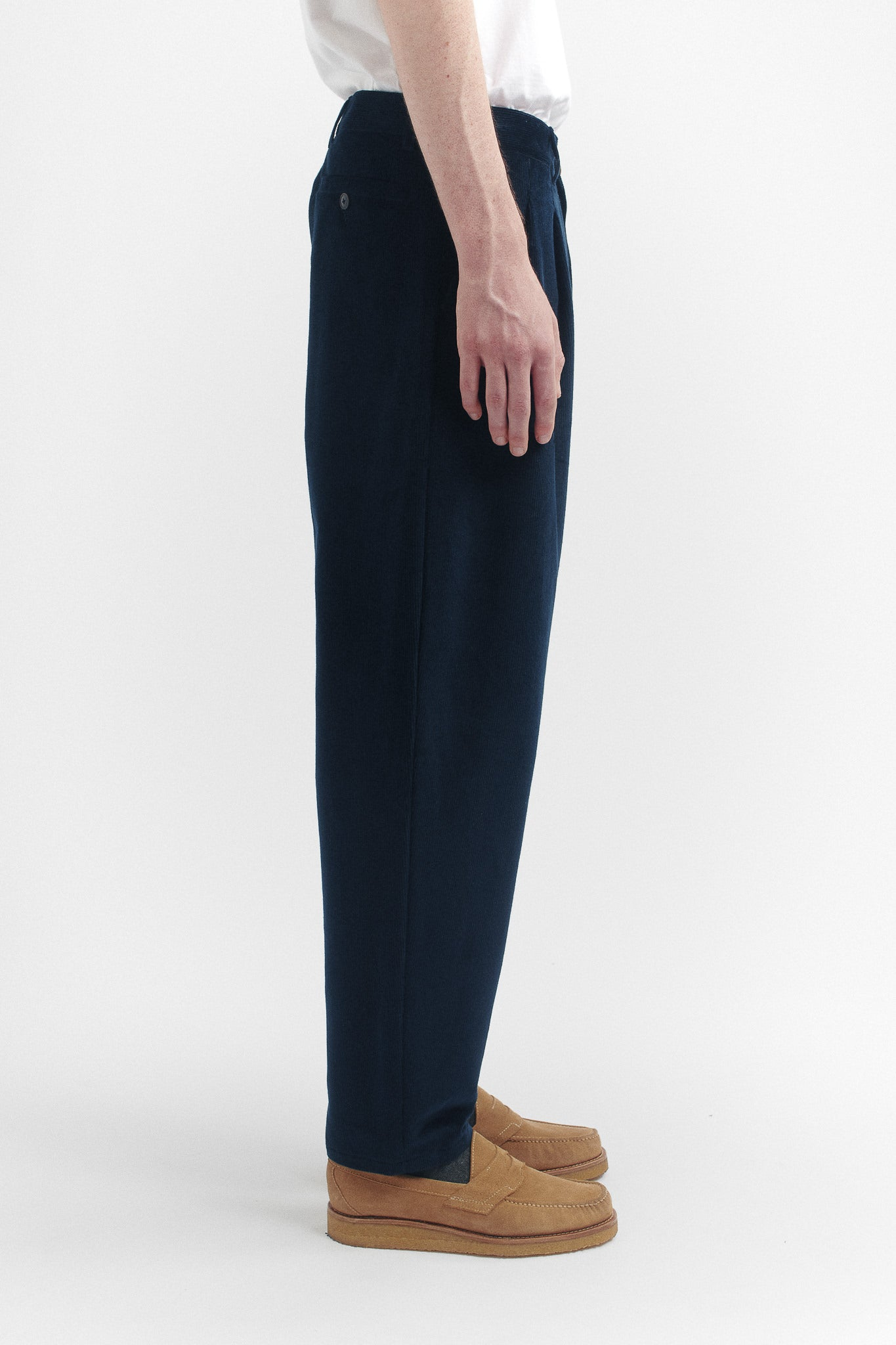 Pleated wide trousers navy cord