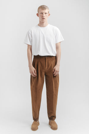 Pleated wide trousers walnut cord