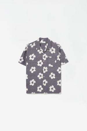 Road shirt ikat flower grey