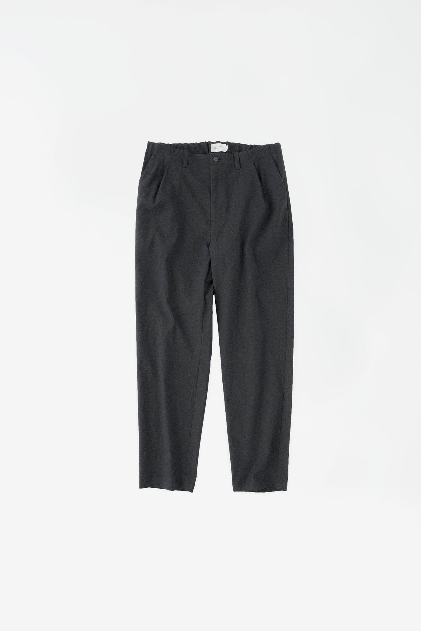 Slim tapered pants black