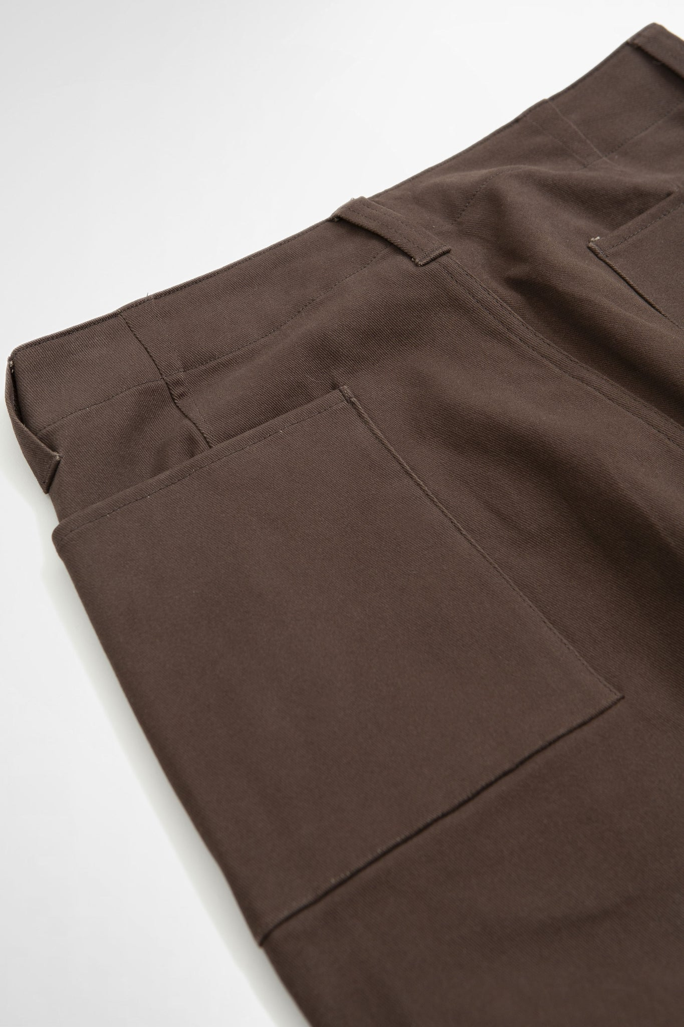 Raised baggy pants brown