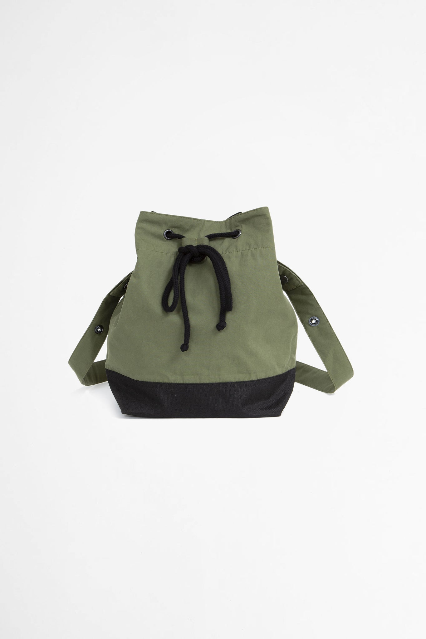 Soft bucket bag proofed plainweave cotton sage