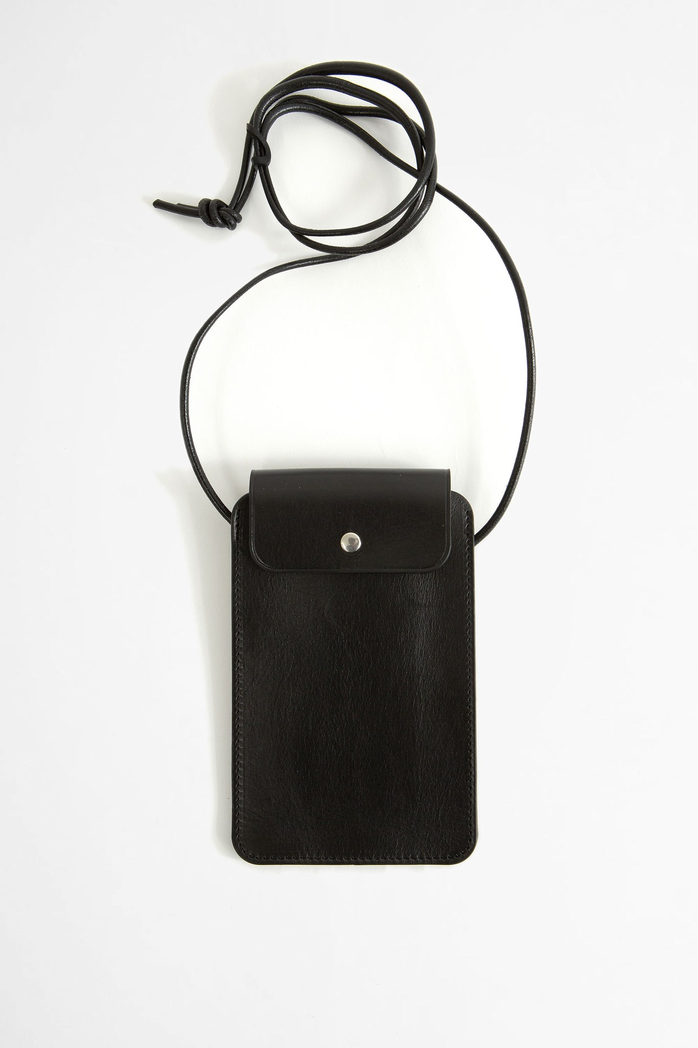 Leather phone pouch black