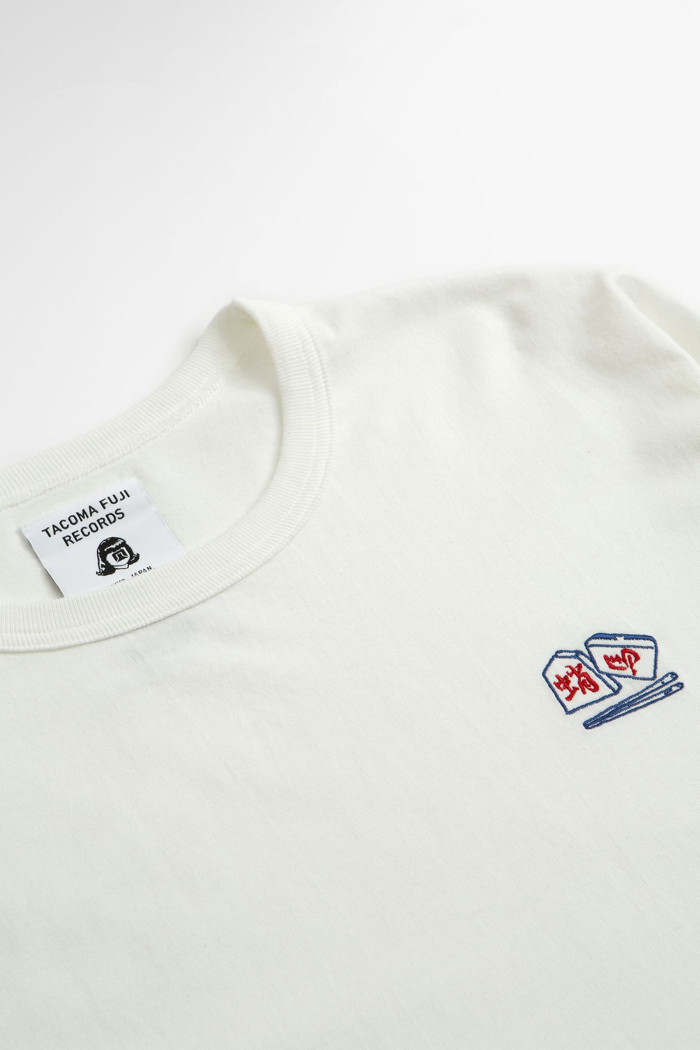 Chopsticks crisis t-shirt white