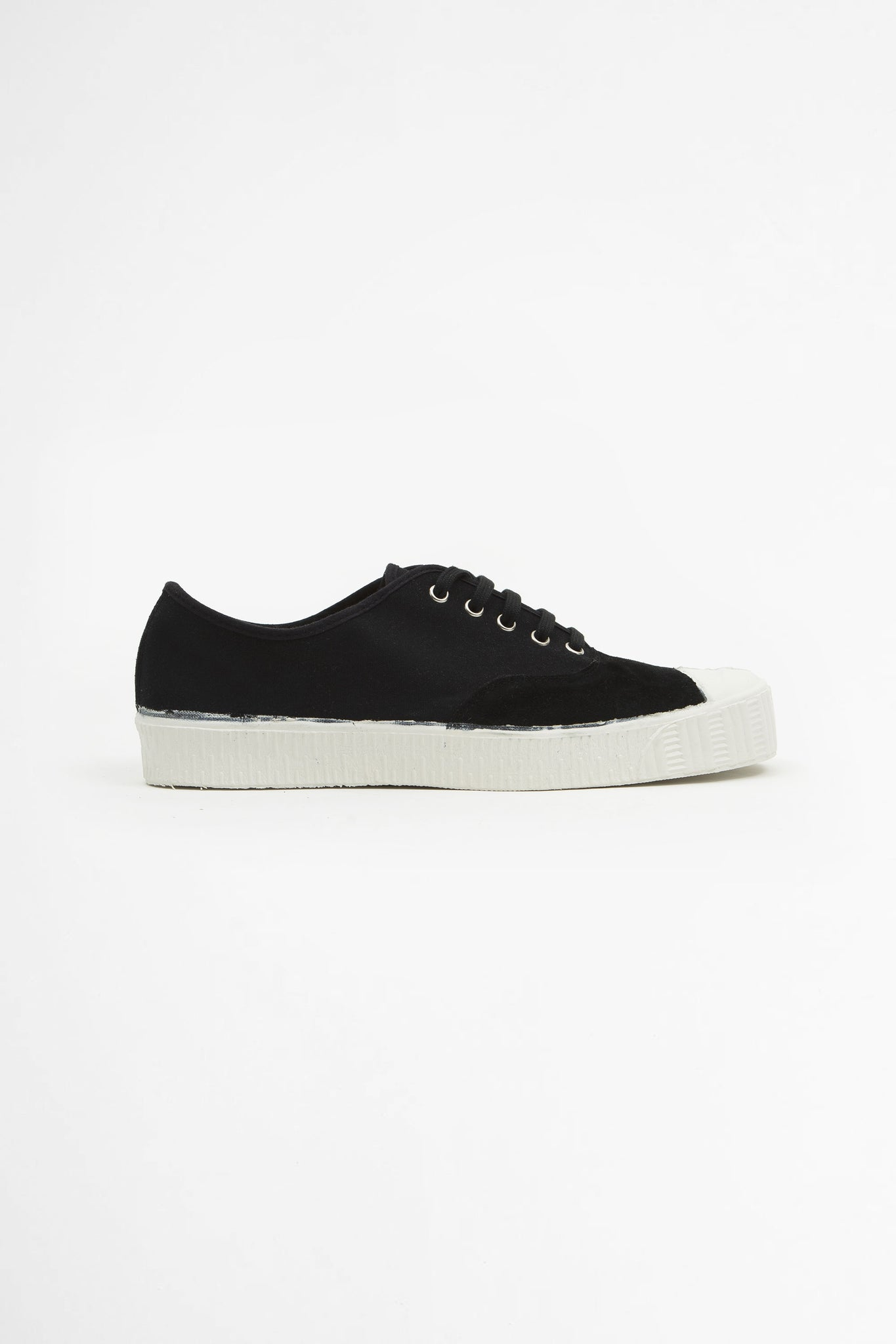 Special oxford low black
