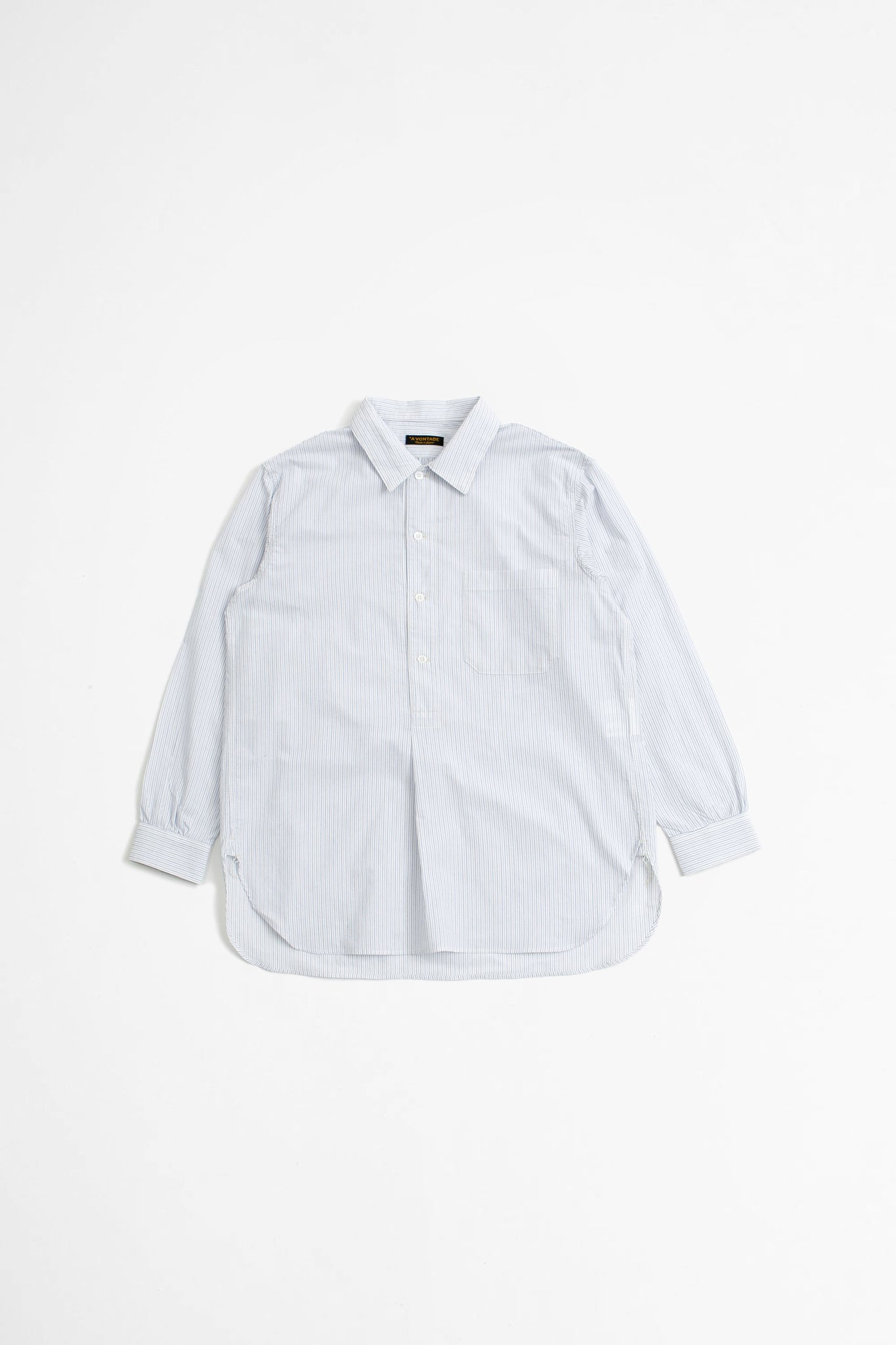 Pullover shirt white stripe