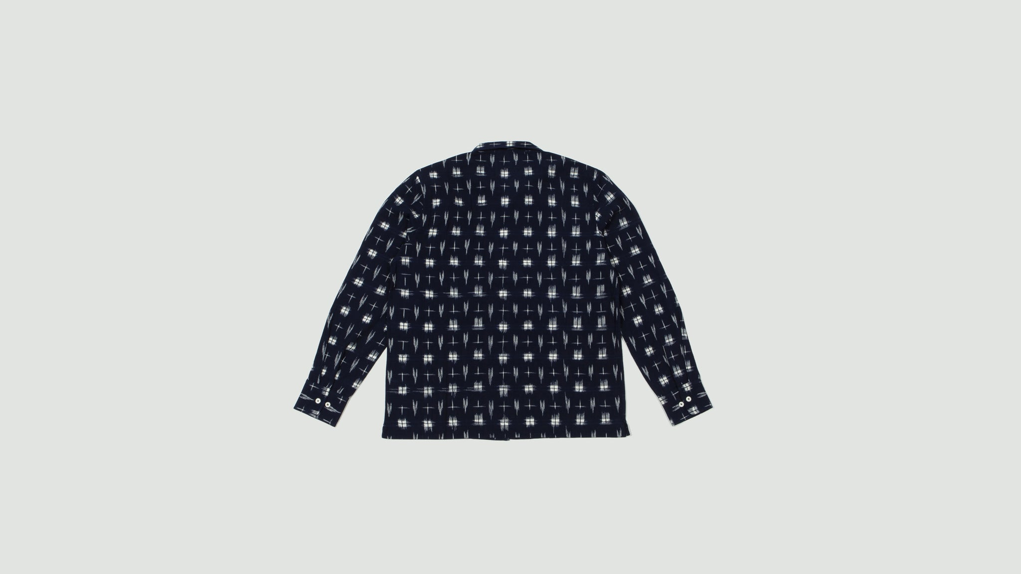 Universal Works. Garage shirt Ikat navy