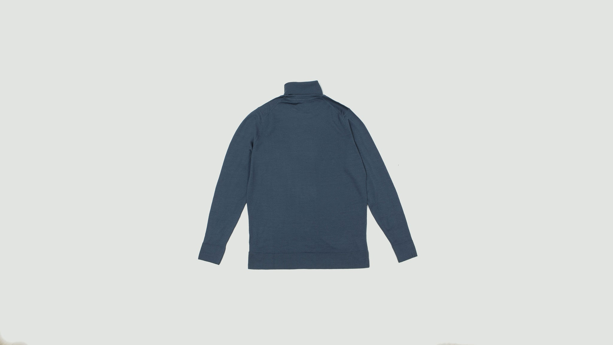Sunspel. Long sleeve roll neck blue slate