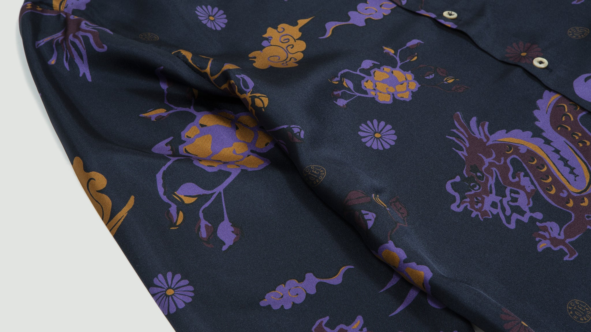 A Kind of Guise. Dharan Shirt silky dragon