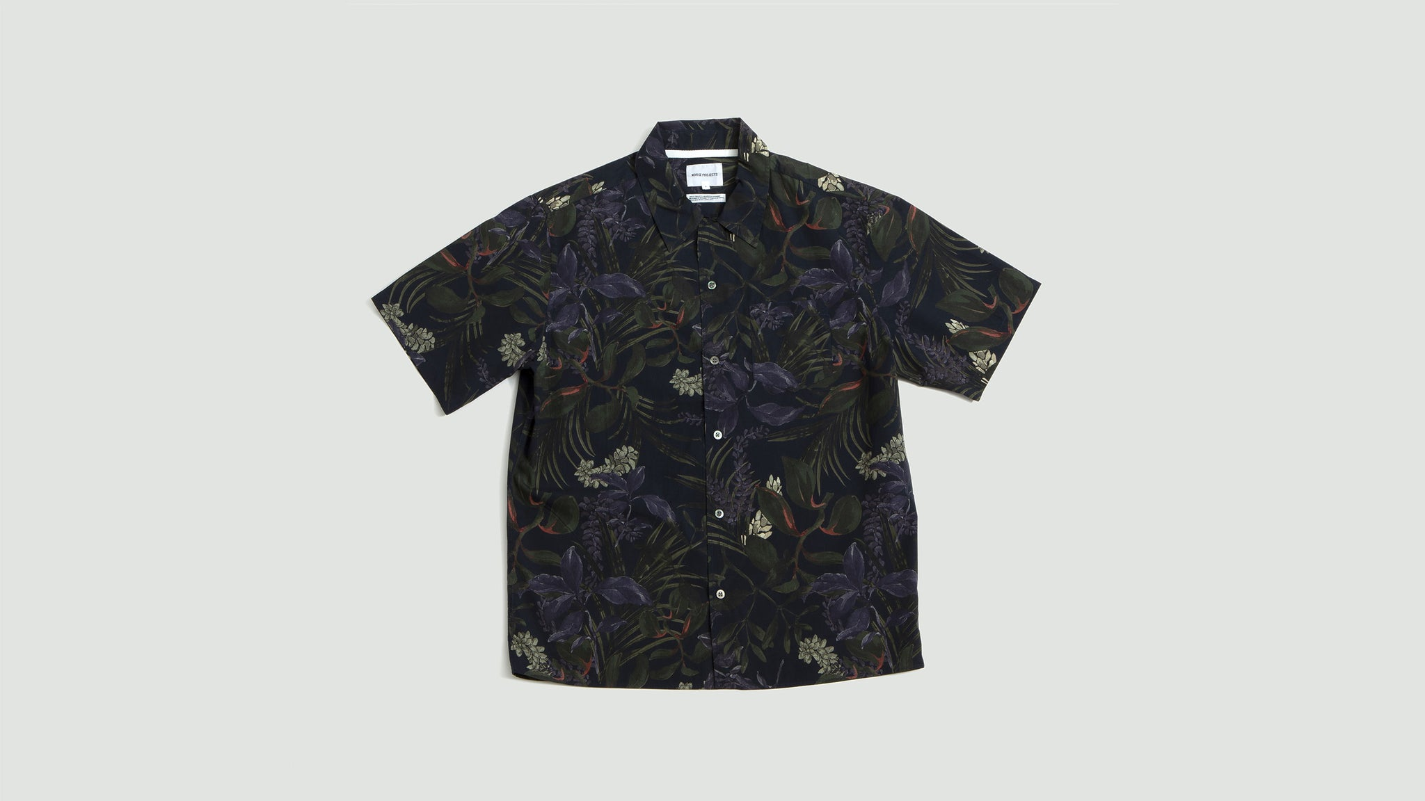 Norse Projects. Carsten print dark navy