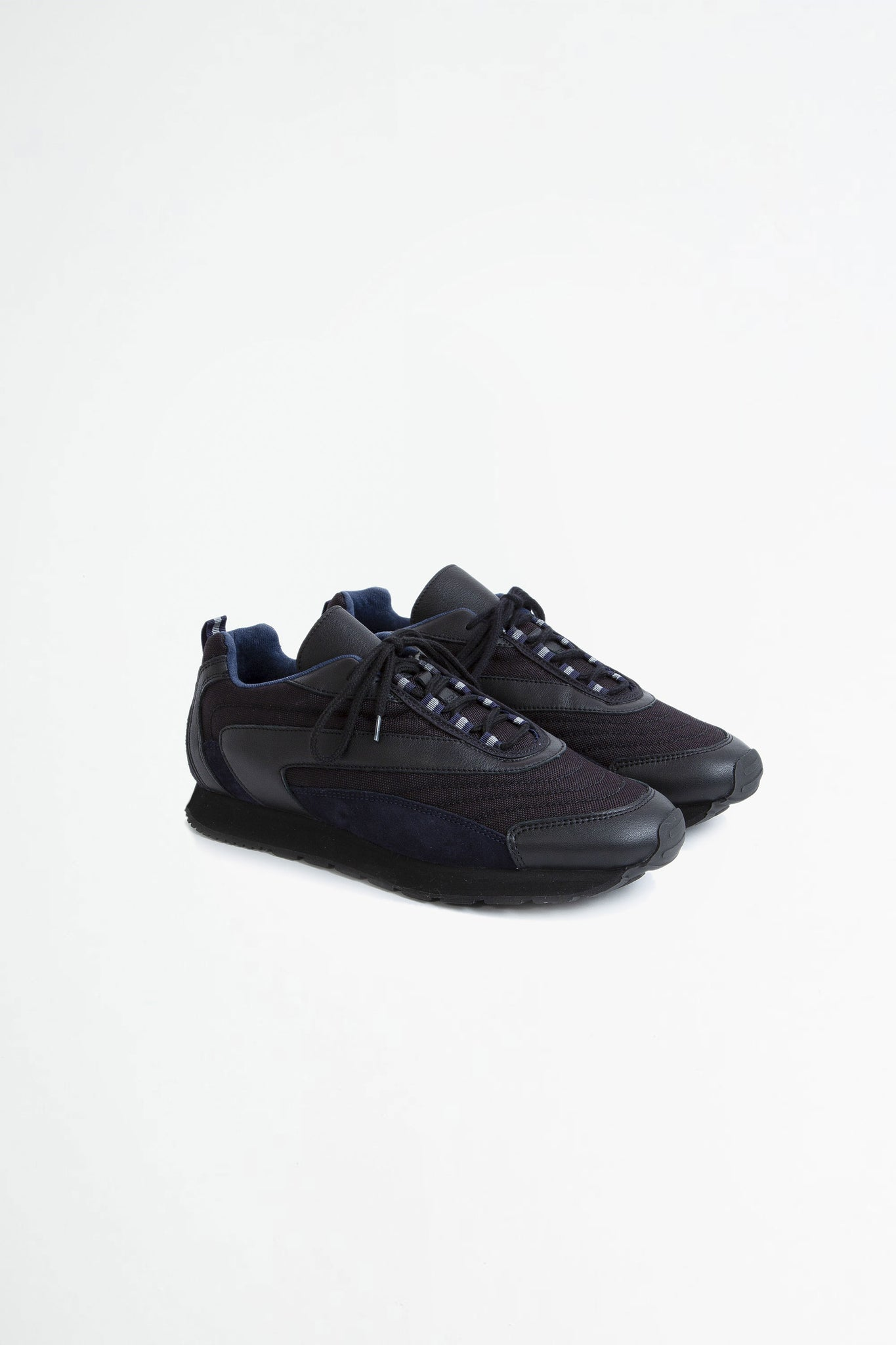 French military trainer black