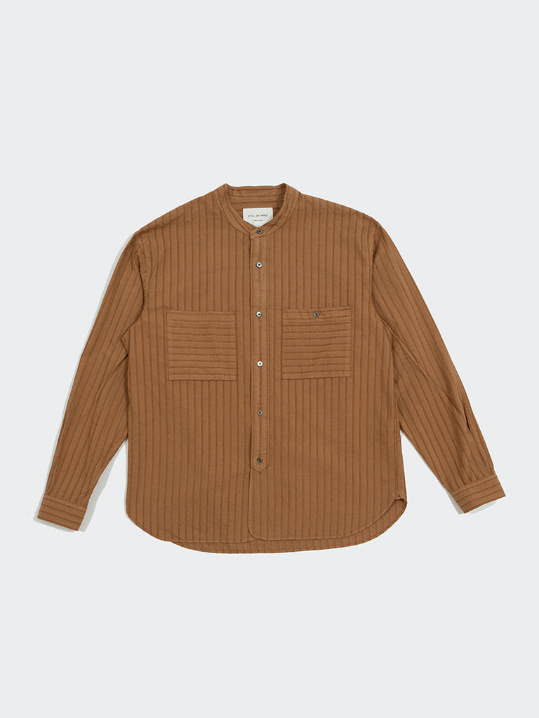 Still by Hand. Band collar pocket shirt camel