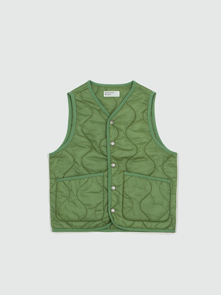 Universal Works. Bound gilet in LT olive Nylon
