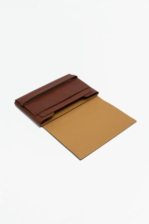 A5 document holder brown