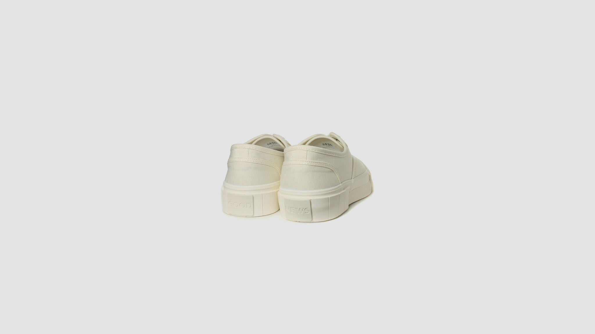 Good News. Bagger 2 low off-white