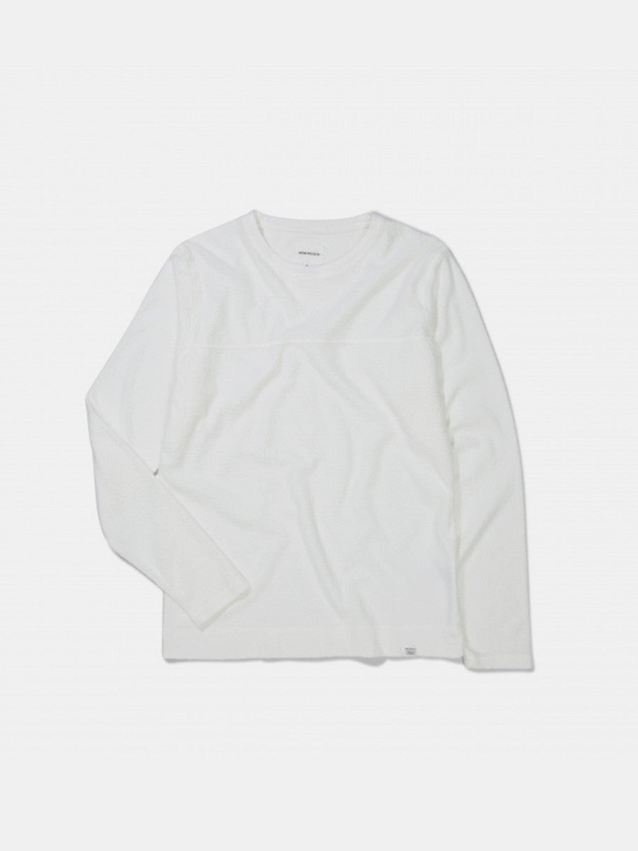 Halfsdan Contrast flame in white by Norse Projects
