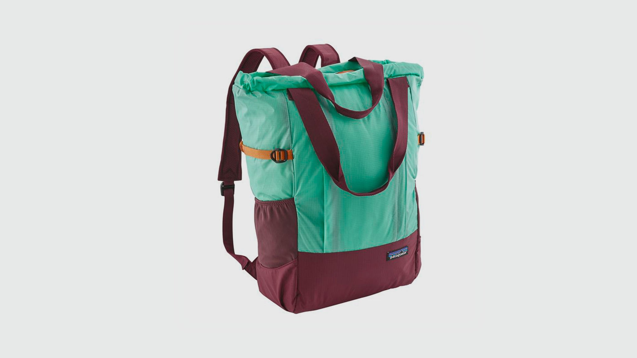 Patagonia. Lightweight travel tote pack dolomite blue vjosa green