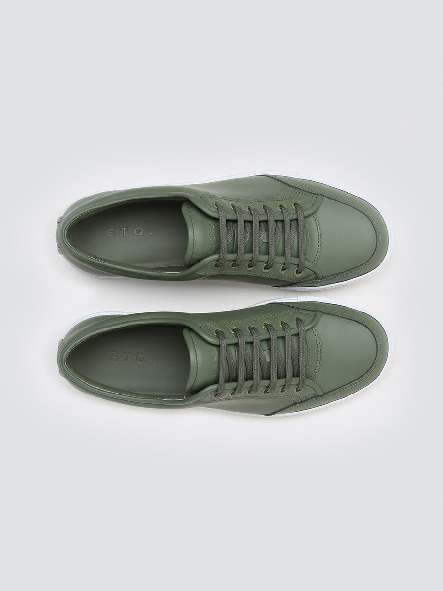 Low 2 by ETQ Amesterdam in rubberized olive