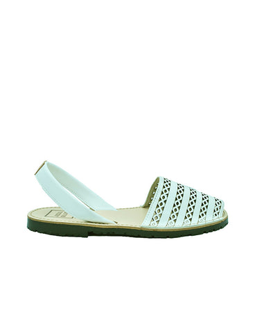 -Menorquina Carved White Flat by Ethical & Sustainable Fashion Brand Mamahuhu