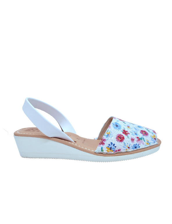 Leather Sandal-Menorquina Flower Power Heel by Ethical & Sustainable Fashion Brand Mamahuhu
