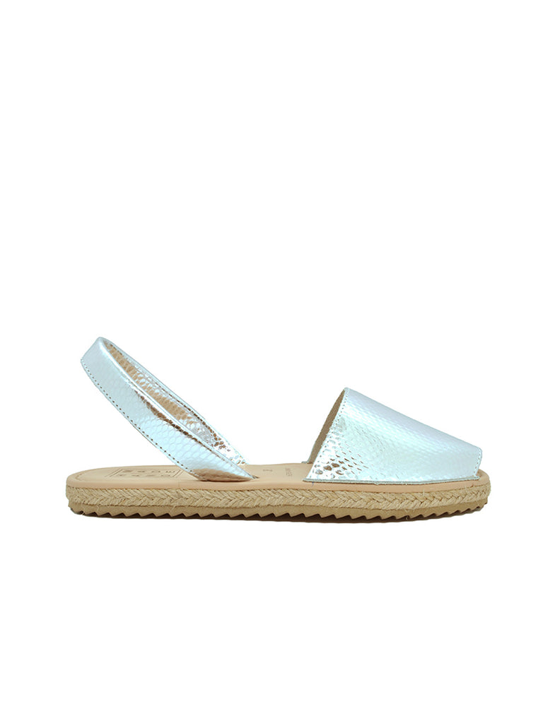 Leather Sandal-Menorquina Silver Flat by Ethical & Sustainable Fashion Brand Mamahuhu