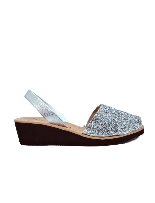 Leather Sandal-Menorquina Sparky Silver Heel by Ethical & Sustainable Fashion Brand Mamahuhu