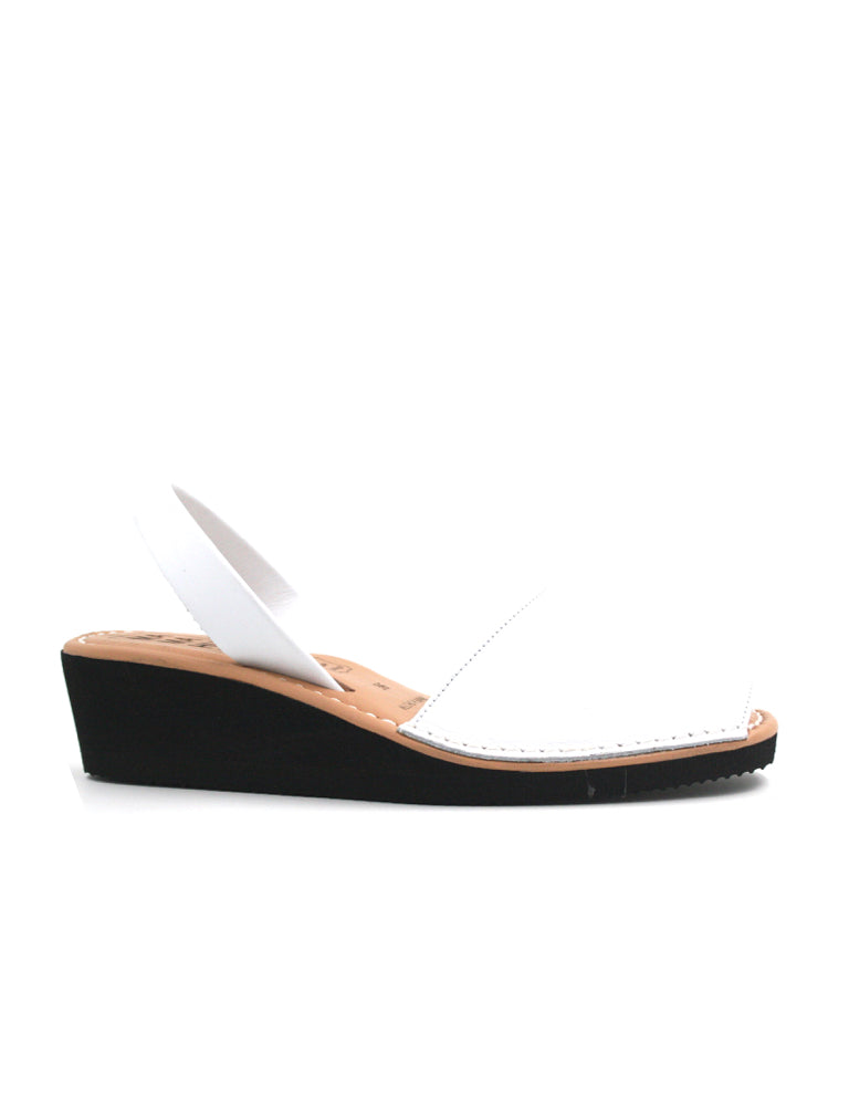 Leather Sandal-Menorquina Snow Heel by Ethical & Sustainable Fashion Brand Mamahuhu