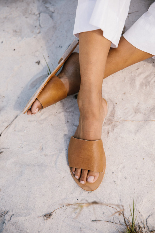 AIKO Basic Slides - Tan