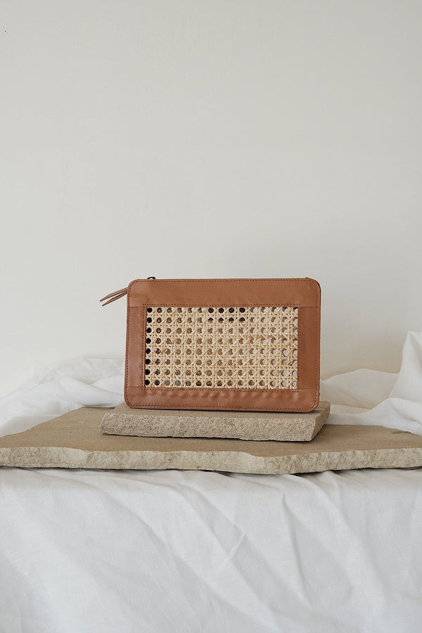 Hennie Rattan Clutch - Tan