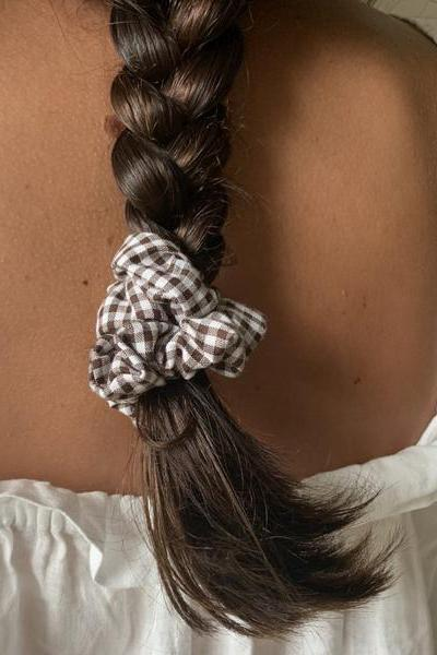 Picnic Scrunchie - Brown Gingham
