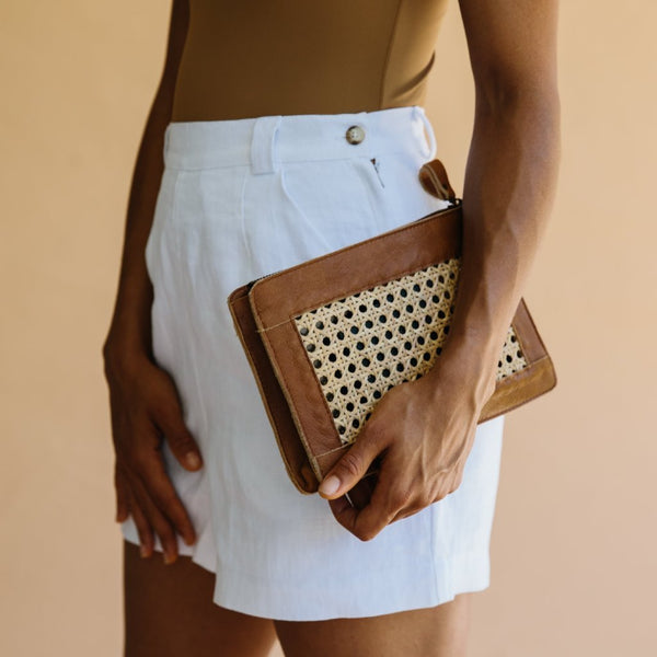 ST. AGNI Hennie Rattan Clutch - Tan Leather