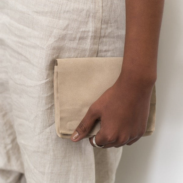 ST. AGNI MOMO Small Clutch - Sand Suede