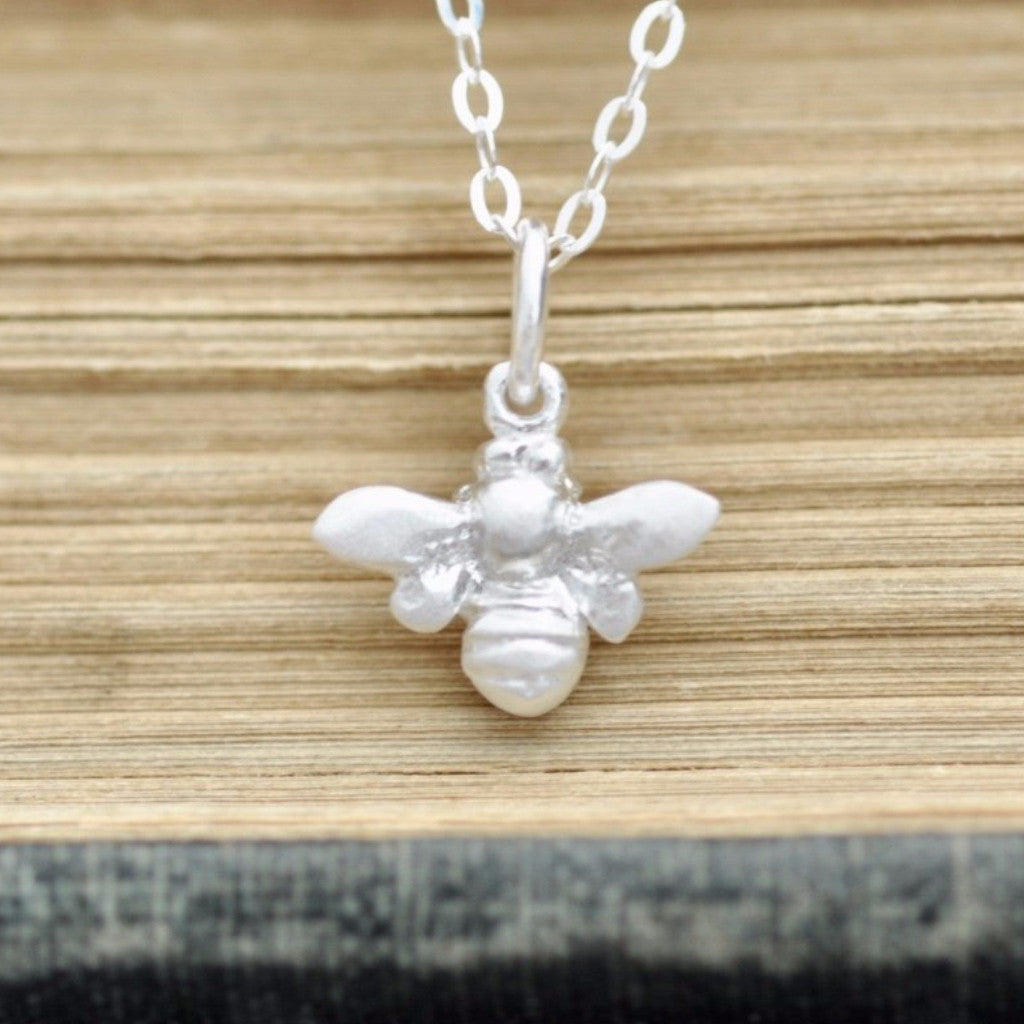 oxidized honey com bee little dp necklace bumblebee queen pendant l silver yaxing honeybee sterling amazon