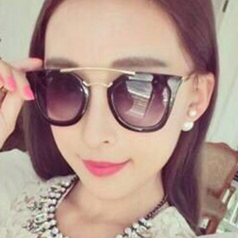 Chic Curving Metal Embellished Full Frame Sunglasses For Women