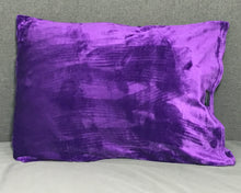 throwbee PILLOWCASE (Classic fitted) - Purple