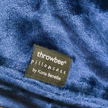 throwbee PILLOWCASE (Classic fitted) - Blue