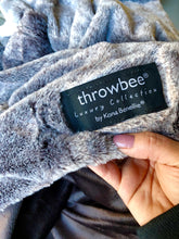 LUXURY COLLECTION THROWBEE Blanket-Poncho - REVERSIBLE Faux Fur