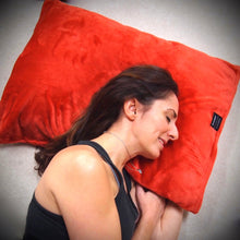 throwbee PILLOWCASE (Classic fitted) - Red