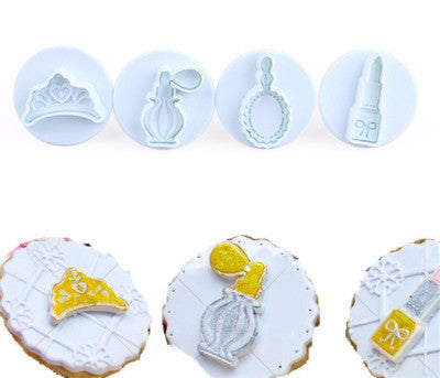 Girl Accessories Plunger Cutter Set